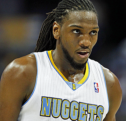 Kenneth Faried and the Nuggets go on a pivotal third-quarter run to rebound from a rare home loss.  (USATSI)