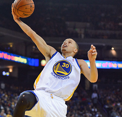 Stephen Curry scores 28 points and dishes out 12 assists as the Warriors handle the Pelicans with ease. (USATSI)