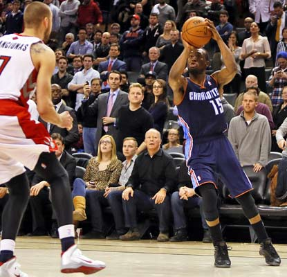 Kemba Walker shows once again his knack for late-game heroics, hitting the winner just as the first overtime ends.  (USATSI)