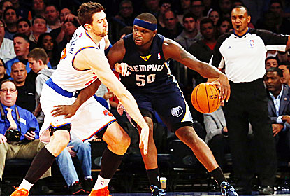 Zach Randolph -- 25 points and 15 rebounds -- does most of the damage against the Knicks to help Memphis get back on track. (USATSI)