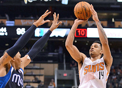 Gerald Green pours in 22 points off the bench, and chips in with four of the Suns' season-tying 15 3-pointers. (USATSI)