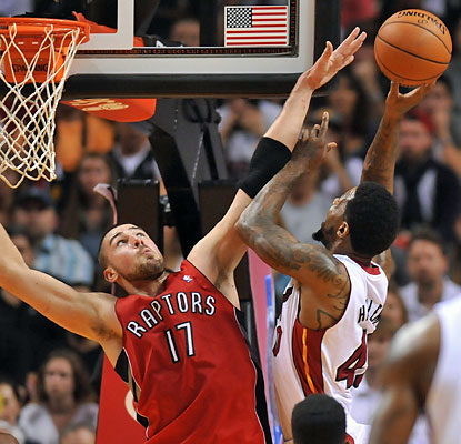 Udonis Haslem chips in with six points as the Heat beat the Raptors for their ninth win in the past 11 games. (USATSI)