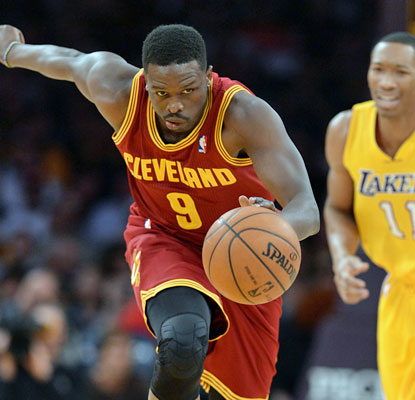 Newly acquired Cavalier Luol Deng leads the charge with 27 points, including five rebounds and four assists. (USATSI)