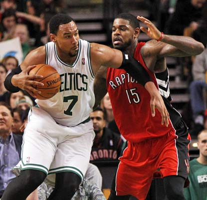 Jared Sullinger fills up the stat line with 25 points and 20 rebounds as the Celtics earn their first win of 2014.  (USATSI)
