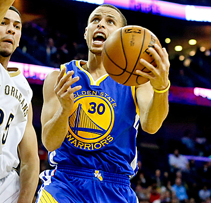 Stephen Curry puts up 28 points to lead the Warriors past the Pelicans on the end of a back-to-back.  (USATSI)
