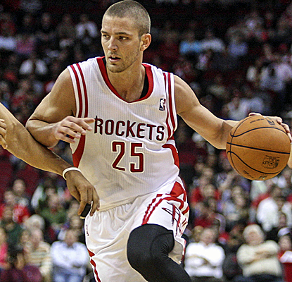 Chandler Parsons scores a season-high 31 points, and this time the Rockets don't let off the gas.  (USATSI)