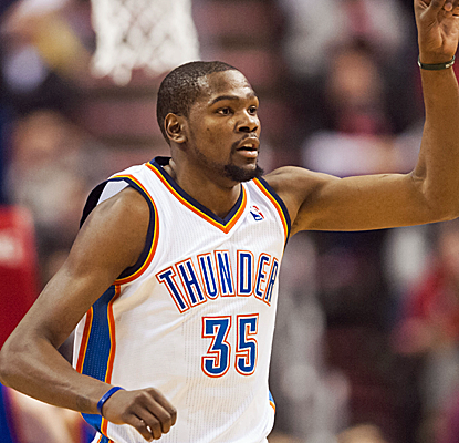 Kevin Durant is on some kind of tear, lighting up the 76ers for a triple-double in another Thunder victory.  (USATSI)
