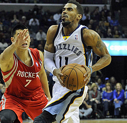 Mike Conley scores 17 points to go with Zach Randolph's big night as the Grizzlies go up by as many as 27.  (USATSI)