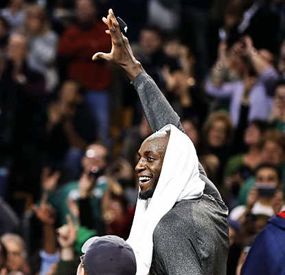 The Celtics honor cornerstones of the 2008 championship team, Kevin Garnett and Paul Pierce (not shown), with video tributes. (USATSI)