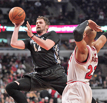 Kevin Love drops 31 points on the Bulls, who fail to extend their win streak to eight against the Wolves.  (USATSI)