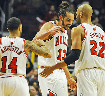 Joakim Noah (19 points, 16 boards, 11 assists) help the Bulls beat the Hawks for the fourth straight time. (USATSI)