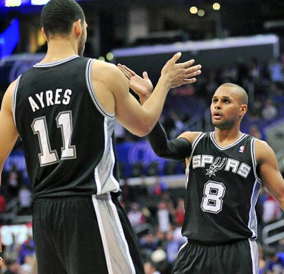 Patty Mills steps up in Tony Parker's absence by scoring 16 of his 25 points in the fourth quarter.  (USATSI)