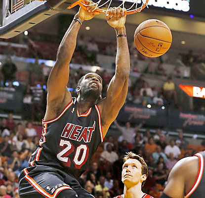 Greg Oden, who draws his first start with the Heat, provides five points and five rebounds as Miami wins its fifth straight. (USATSI)