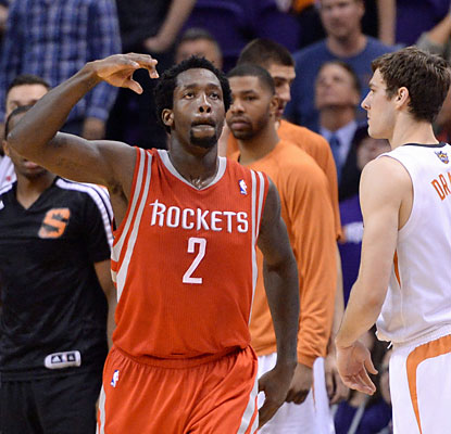 Patrick Beverley sinks the Rockets' biggest basket of the game -- a go-ahead 3 with 34.3 seconds left in regulation. (USATSI)
