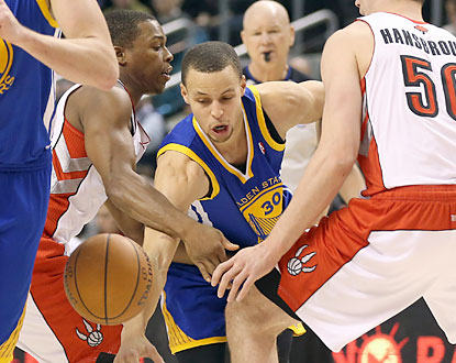 The Raptors improve to 1-7 when facing the Warriors with Stephen Curry active. (USATSI)