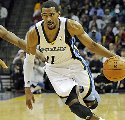 Mike Conley leads the way with 20 points for the Grizzlies, who continue to push for a playoff spot.  (USATSI)