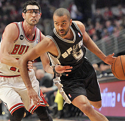 Tony Parker (20 points) and the Spurs push aside the Bulls as they maintain their hold on the NBA's best record. (USATSI)