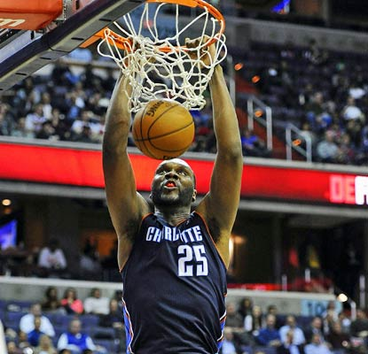 Al Jefferson continues to do his best to keep the Bobcats in the playoff picture with 26 points and 10 rebounds.  (ULive)