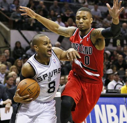 Patty Mills contributes 15 points and the red-hot Spurs send a message to the Blazers in San Antonio.  (USATSI)