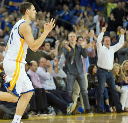 Klay Thompson pours in 29 points to give the fans in Oakland a hard-fought win over the lowly Bucks.  (USATSI)