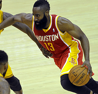 James Harden takes control with Dwight Howard out, scoring 37 points as the Rockets keep chasing the No. 3 seed.  (USATSI)