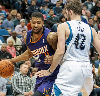 Markieff Morris helps the Suns pull off their biggest comeback of the season and move within a half-game of the eighth seed. (USATSI)