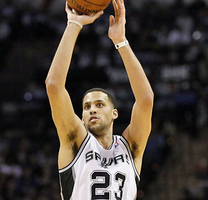 Austin Daye scores a game-high 22 points off the bench as the Spurs cruise to yet another W. (USATSI)