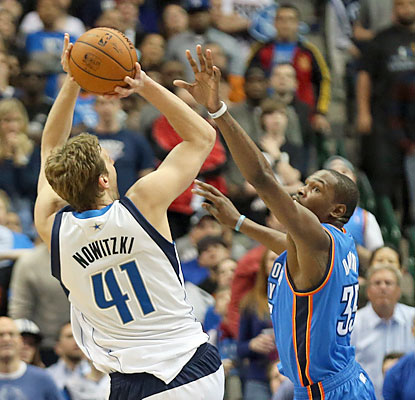 Dirk Nowtizki fills the stat sheet vs. the Thunder. The vet finishes with 32 points (seven in OT), 10 boards and six assists. (USATSI)