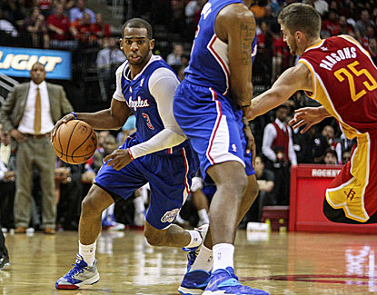 Chris Paul scores 30 points with 12 assists as the Clippers clinch their third straight playoff appearance. (USATSI)