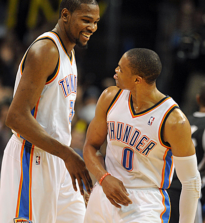 Kevin Durant and Russell Westbrook combine for 55 points as the Thunder end the Spurs' 19-game win streak.  (USATSI)