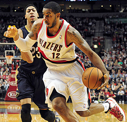 LaMarcus Aldridge takes charge and helps make this evening a momentous one for the Portland franchise.  (USATSI)