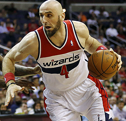 Marcin Gortat posts a double-double with 10 points and 13 boards, and the Wizards defeat the Heat.  (USATSI)