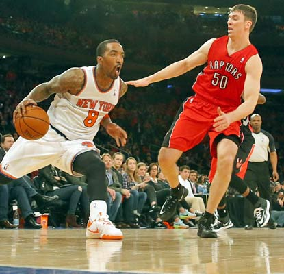 A disappointing season comes to a close for J.R. Smith's Knicks while the Raptors move on to the postseason.  (USATSI)