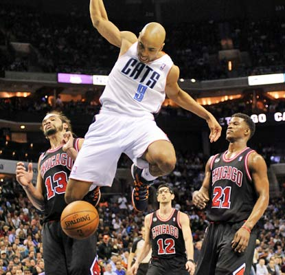 Gerald Henderson slams it home to help the Bobcats avoid a season series sweep to the Bulls.  (USATSI)