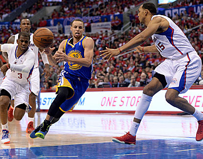Stephen Curry dishes out 7 assists to go with 14 points in Golden State's Game 1 win over the Clippers. (USATSI)