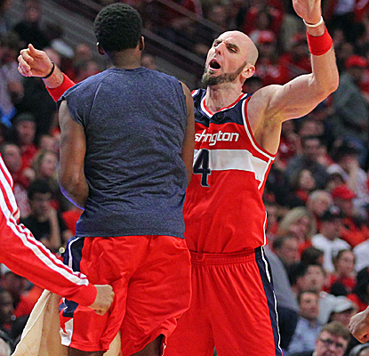Marcin Gortat posts a double-double with 15 points and 13 boards as the Wizards steal Game 1 in Chicago.  (USATSI)