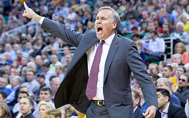 Lakers coach Mike D'Antoni won't become the next coach at Marshall. (USATSI)