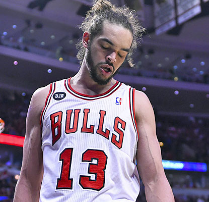 Joakim Noah and the Bulls find themselves in a bad position after dropping both home games and trailing the Wizards 2-0. (USATSI)