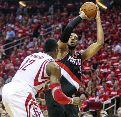 LaMarcus Aldridge is the first player to score 40-plus in consecutive playoff games since LeBron James in 2009.  (USATSI)