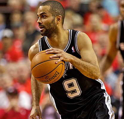 Tony Parker is the best player on the floor Saturday night, scoring 29 points as the Spurs cruise again.  (USATSI)
