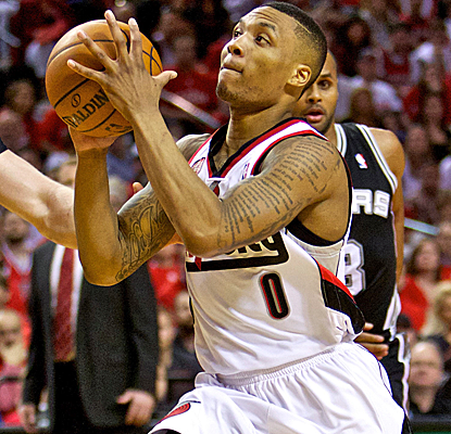Damian Lillard scores the Blazers' first nine points of the fourth quarter en route to a 25-point night.  (Getty Images)