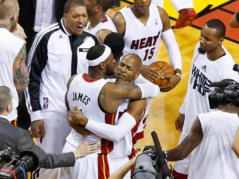 Ray Allen and LeBron James are huge late in the fourth and the Heat move on to the conference finals. (USATSI)