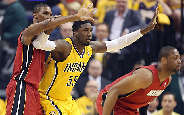 Chris Bosh has a tough time against the Pacers in Game 1 of the East finals. (USATSI)
