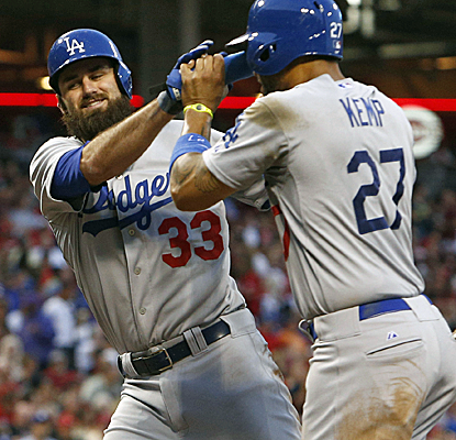 Scott Van Slyke connects for a pair of home runs en route to a career-high 4-RBI game.  (Getty Images)