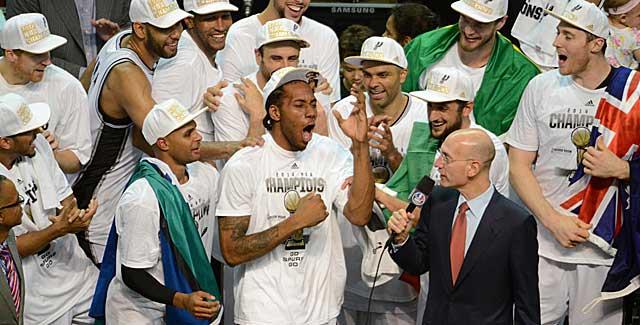 The Spurs go wild when Kawhi Leonard is announced as Finals MVP on Sunday. (USATSI)