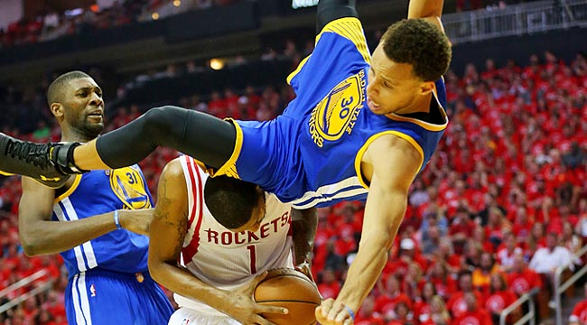 Curry has scary fall, returns in third quarter