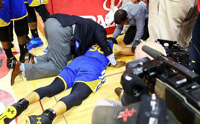 Stephen Curry returns, but will scary fall have any lasting effects?
