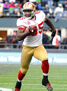 If Vernon Davis plays like he did a year ago, he's as good as an elite receiver. (US Presswire)