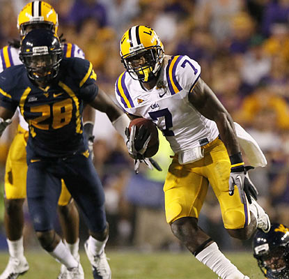 Patrick Peterson boosts LSU in the second quarter by returning a punt 60 yards for a touchdown.  (AP)