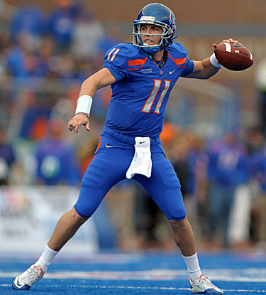 QB Kellen Moore's 507 passing yards help Boise State set a school record with 737 total yards. (US Presswire)